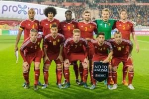 サッカーベルギー代表の試合前の選手集合写真