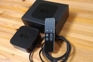 AppleTVの梱包物を並べた画像