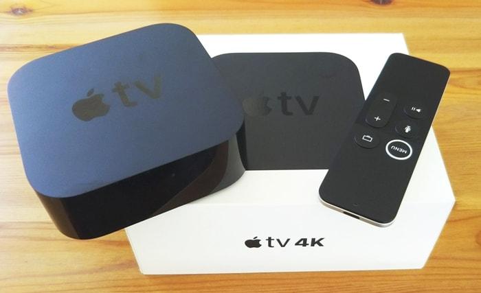 appleTV 4K本体とリモコンと箱